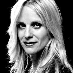 Karin Janda als Agnetha